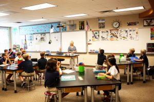子供をインターナショナルスクールに通わせるための学費はいくらかかるか
