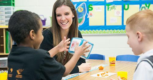 【子供 英語】子供が英語発音を学ぶ仕組みと教え方