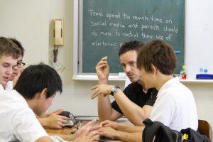 コロンビアインターナショナルスクール 学校説明会 高校課程 スキナー先生